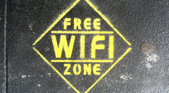 free_wifi_flickr_superfem-100030078-large